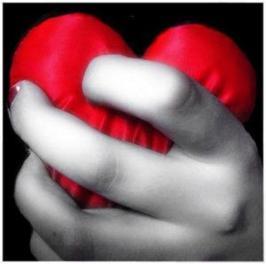 corazon puño 2